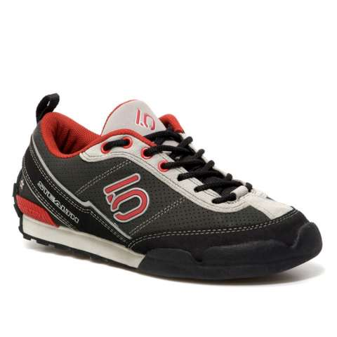 photo: Five Ten Women's Warhawk approach shoe