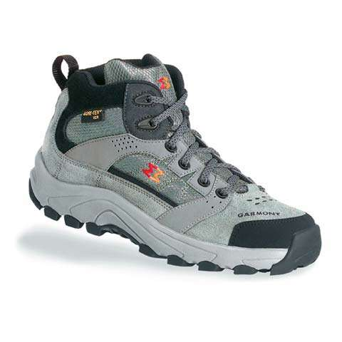 photo: Garmont Flash XCR Junior hiking boot