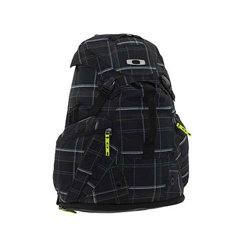 photo: Oakley Surf Pack 5.0 Backpack overnight pack (2,000 - 2,999 cu in)